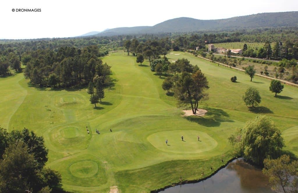 Parcours de golf vue aérienne Nans les Pins