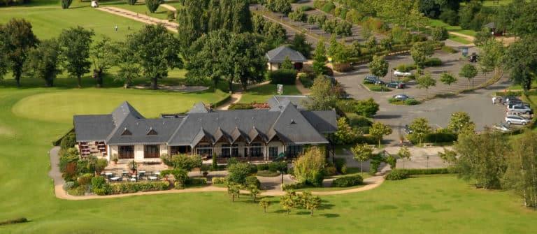 GOLF DE SABLÉ SOLESMES Club house parcours de golf 18 trous Pays de la loire