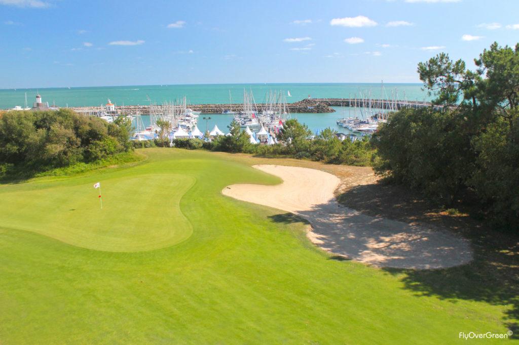 Golf De Port Bourgenay vue sur le port depuis le parcours de golf green fairway bunker Vendée