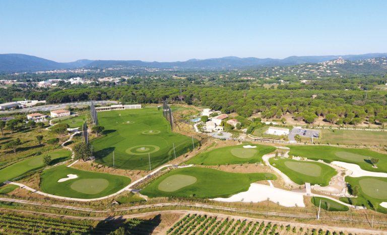 Golf-Up-Vue aerienne centre d'entrainement golfique en Provence practice driving range