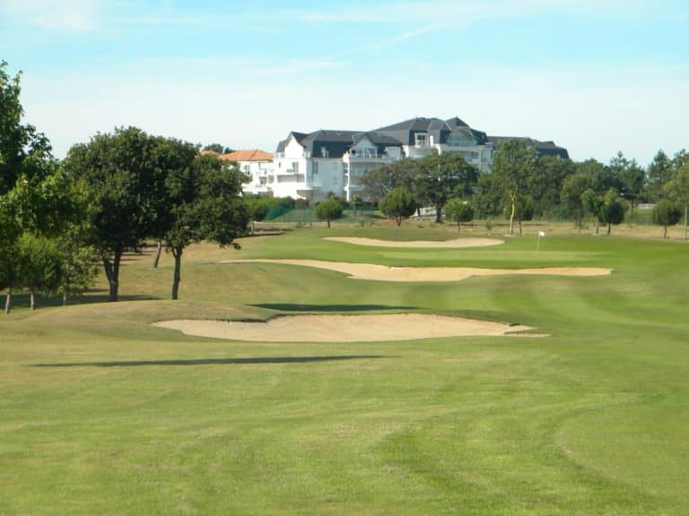 Golf des Fontenelles Hole 18 Club-house