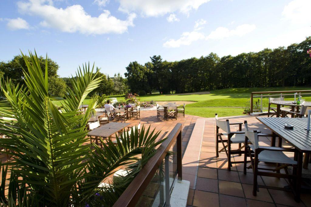 La terrasse du restaurant du golf La Baule