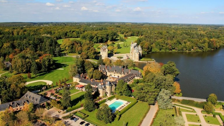 golf 18 holes of the Domaine de La Bretesche aerial view hotel swimming pool golfing holiday