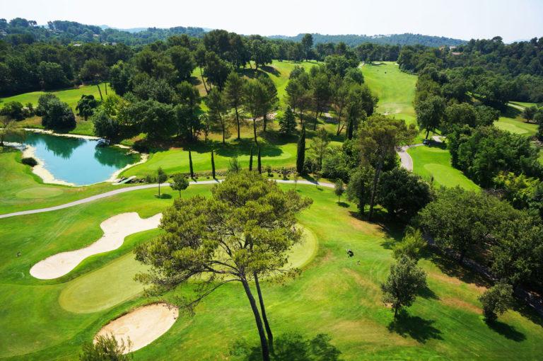 golf-saint-donat-parcours-grasse-cannes-Provence-18 trous-pins fairway bunker- beau golf