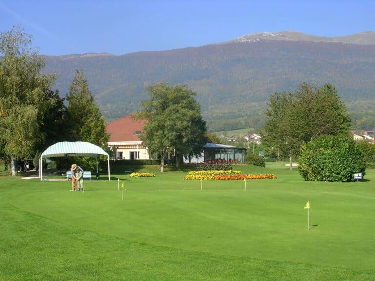 Club-House Putting-Green Golf de Gonville