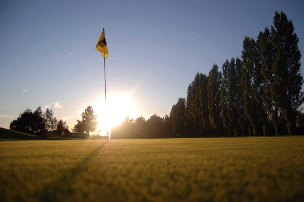 GOLF D'AIGUELEZE parcours Golf 9 trous