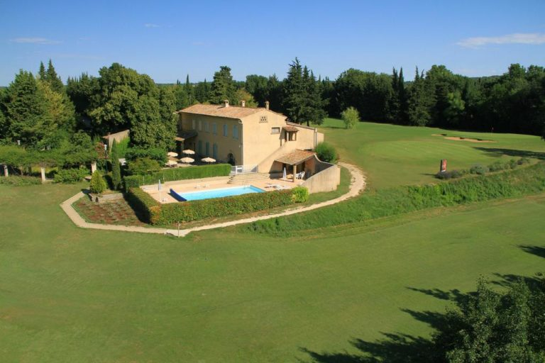 Golf d'Uzes Maisons sur golf vacances golf Séjour golfique