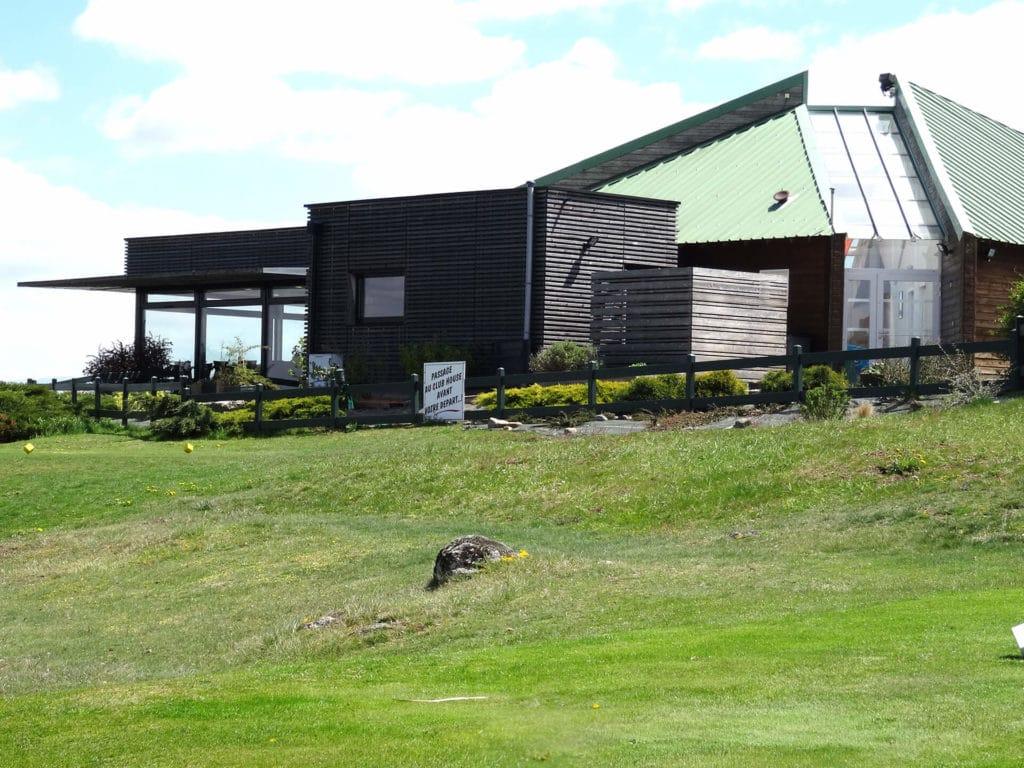 Club-house du golf du Puy en Velay
