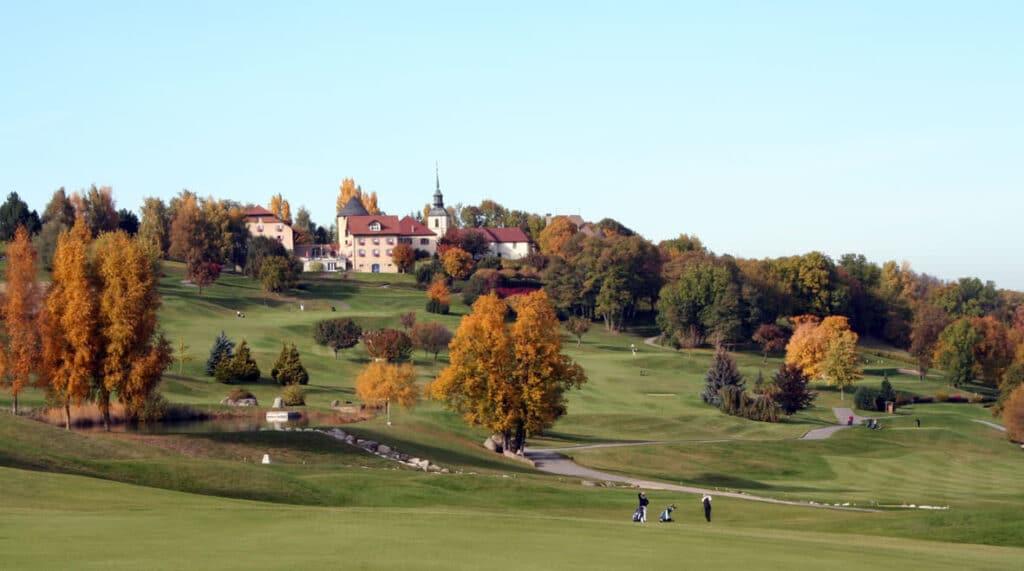 REIGNIER-ESERY Golf club d'Esery Parcours de golf auvergne mont blanc Couleurs de l'automne