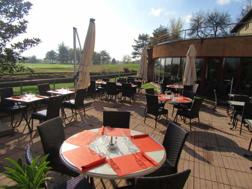 Restaurant terasse Club Hous du golf du beaujolais