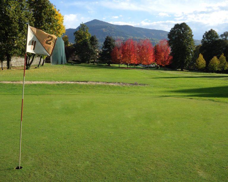 Uriage golf parcours green du trou 2 Arbres Fairway
