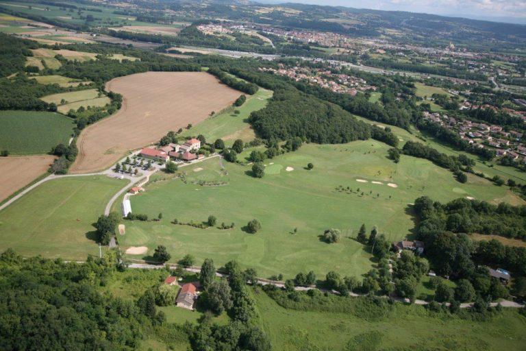 Vue aérienne du golf CAPI Trois vallons
