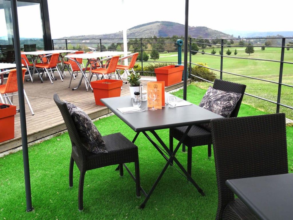 golf-du-puy-en-velay-Terasse restaurant