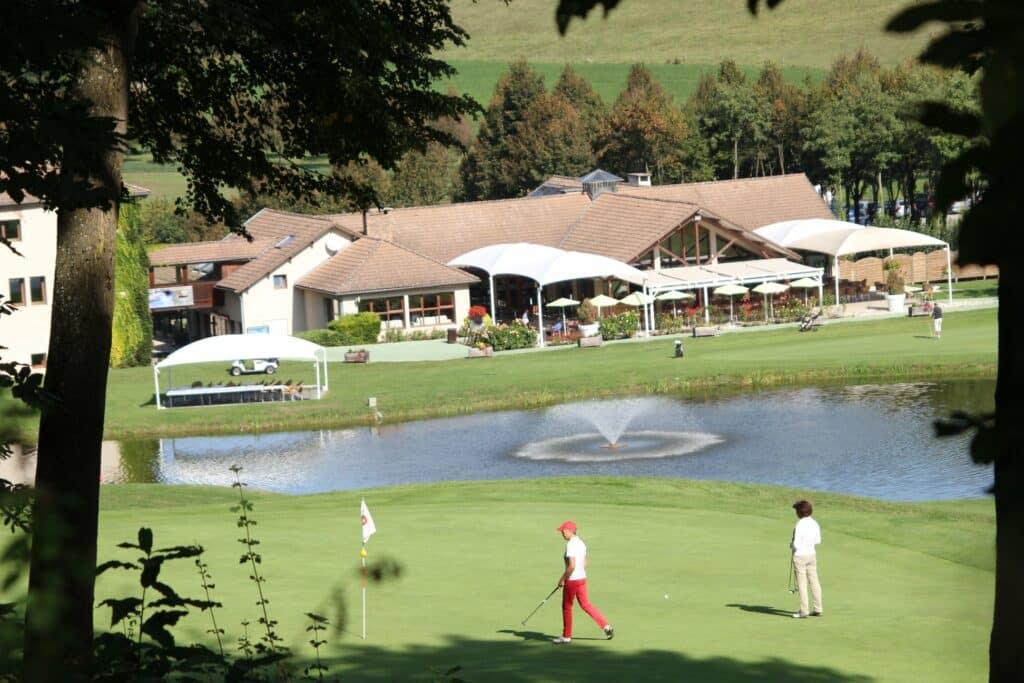 le Golf International Bresson Parcours de golf Auvergne golfeur Parcours Trent Jones