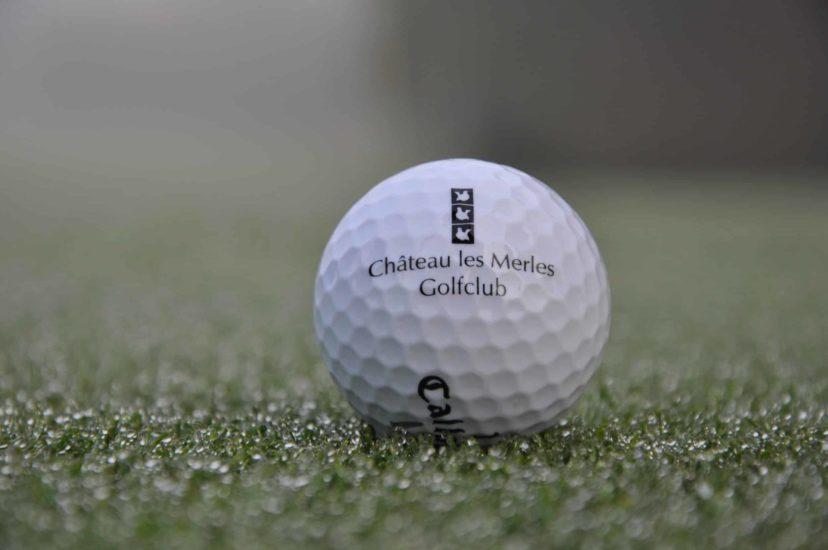 Balle de golf logo Château des Merles