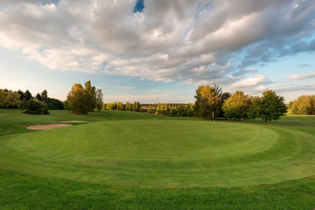 fairway bunker green golf de Bellefontaine jouer au golf golfeur