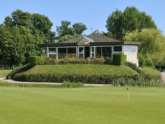 Club-House-Golf-de-Noisy-le-Roi