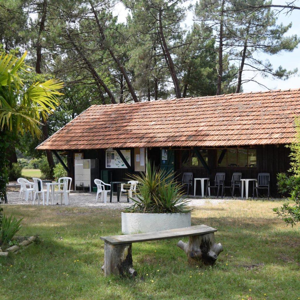 Club house Golf situé sur le Bassin d'Arcachon Golf 9 trous