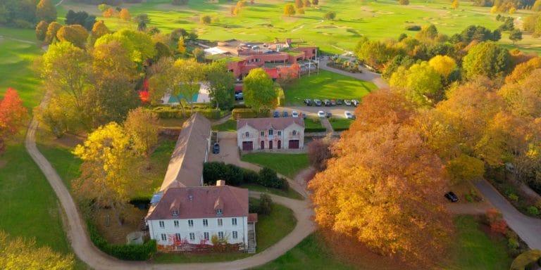 Golf de Joyenval vue aérienne club-house