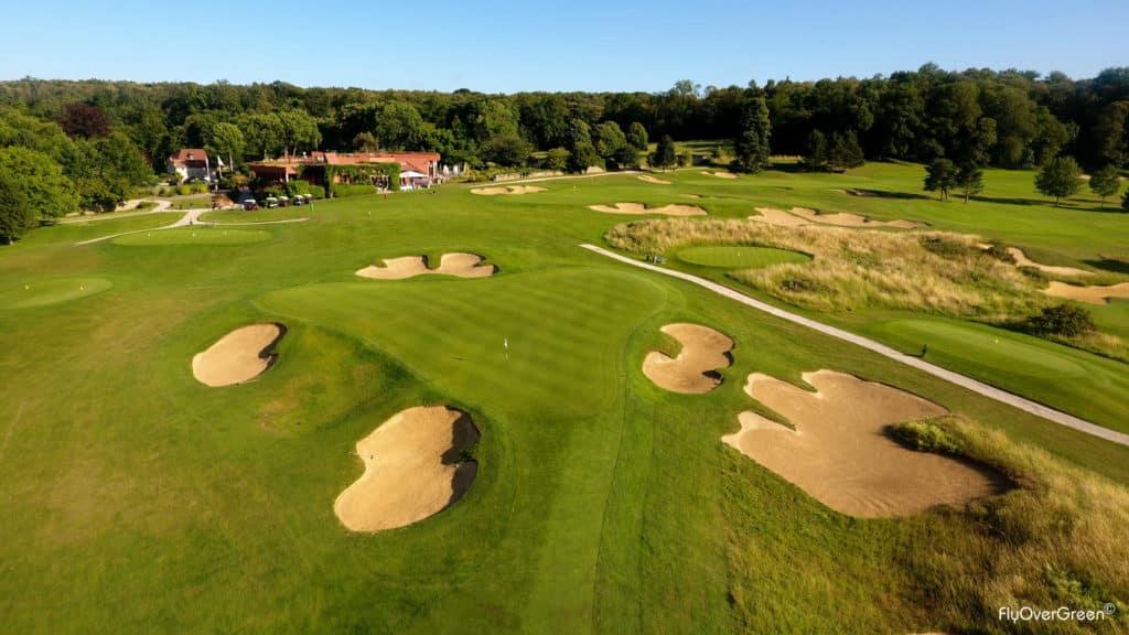 Golf de Joyenval Bunker rough fairway green du 18 Club-house