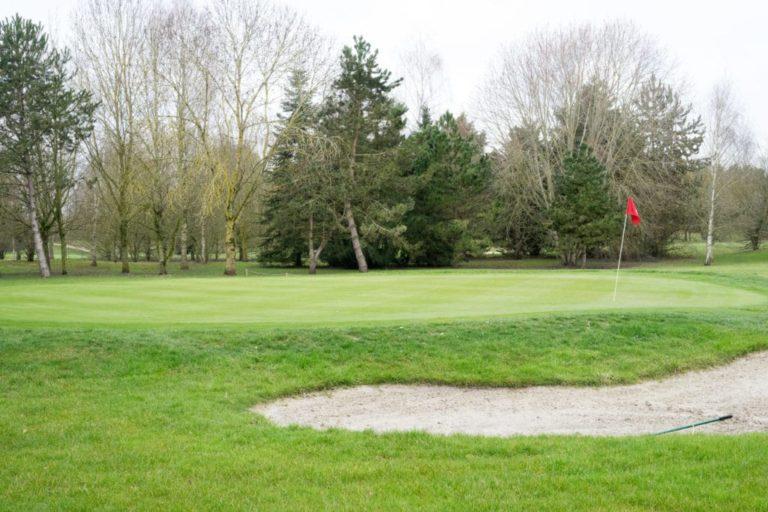 Menneville-Green-Bunker Golf Course