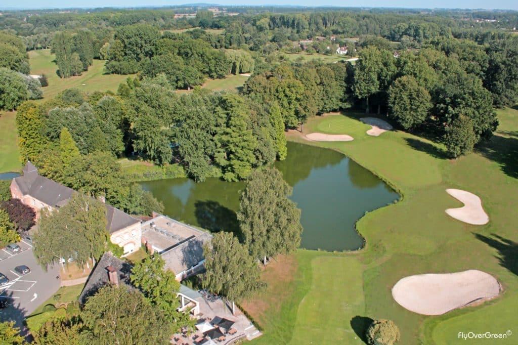 Hauts-de-France - Golf de Brigode - Vue aerienne - green etang lac bunker fairway arbres centenaire club house parking