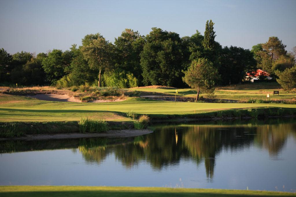 France Golf MEDOC Green-Fairway-Obstacle-eau-bunker-golf-Medoc