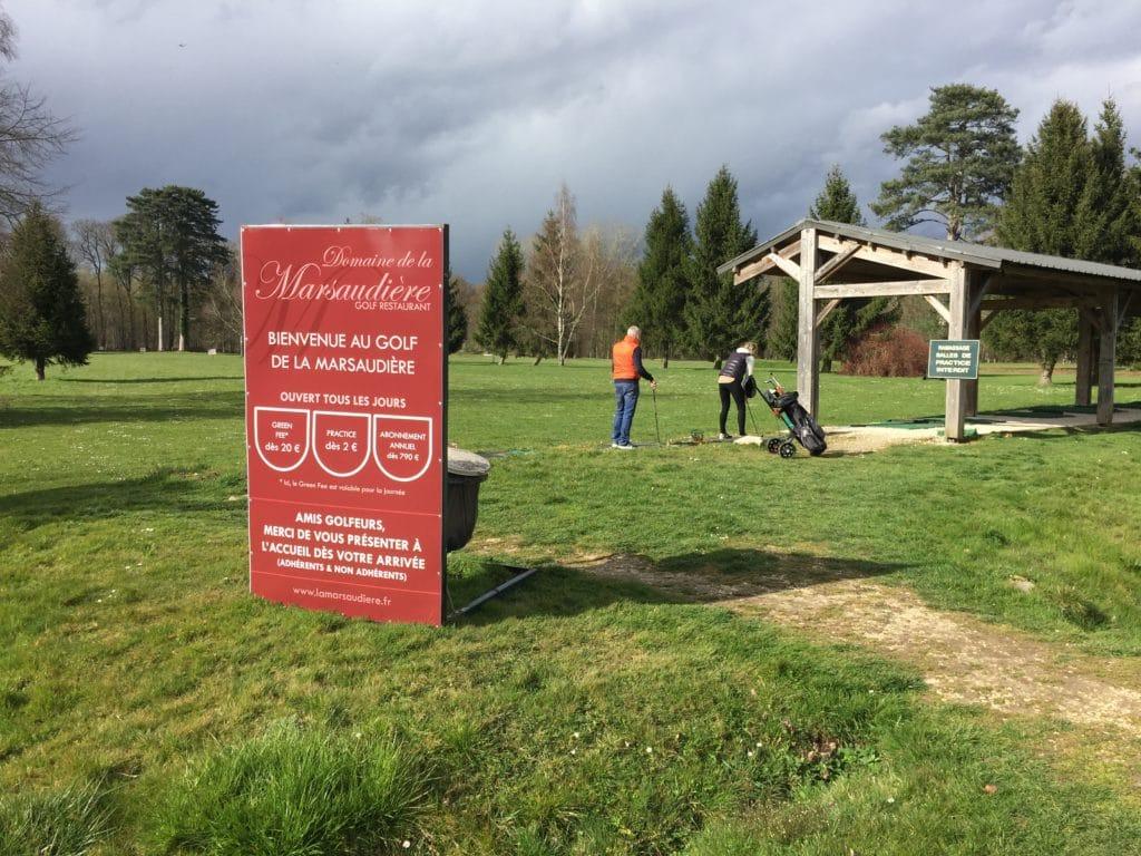 practice clubs de golf golfeurs swing