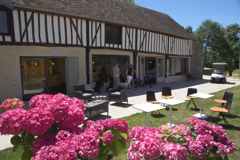 club-house Golf de Maudétour
