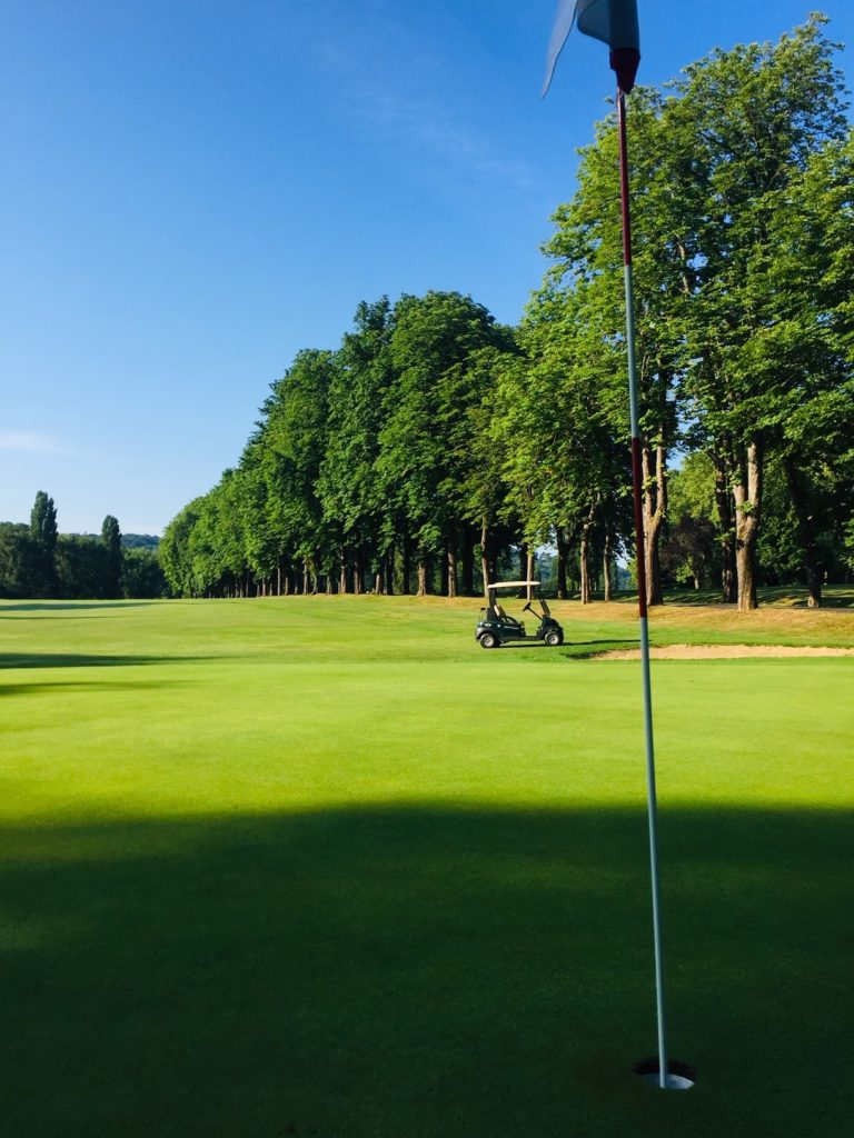 golf de perigueux voiturette green