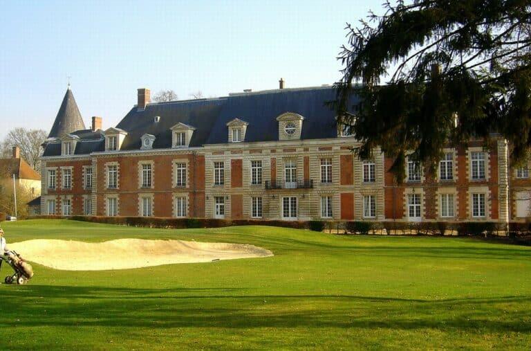 golf-du-chateau-d-humieres-facade