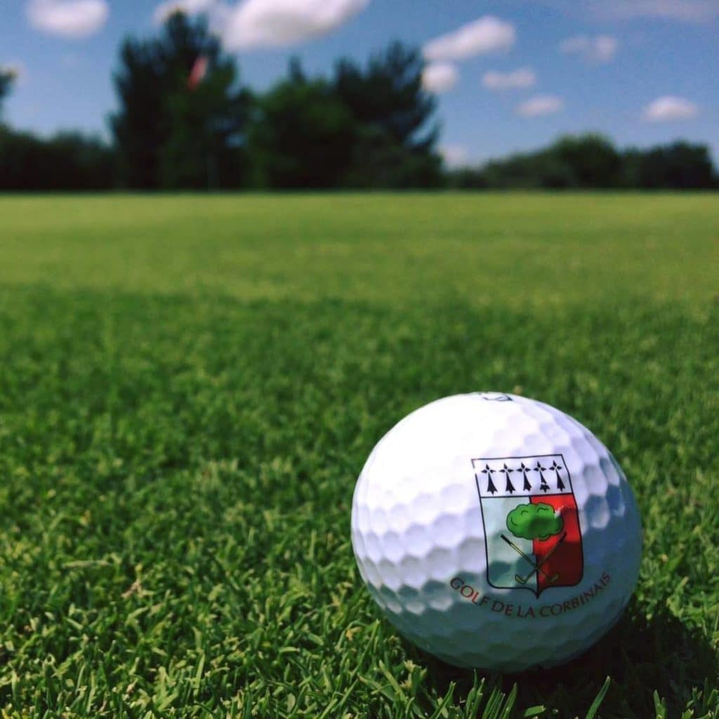 Logoted Golf Ball Golf de La Corbinais