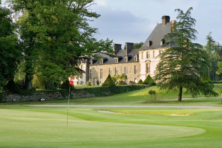 Chateau estate Golf des Ormes