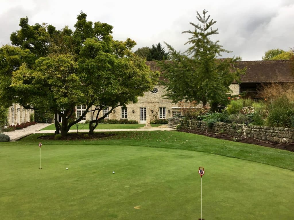 Club-house-golf-de-Saint-Nom-La-Bretèche