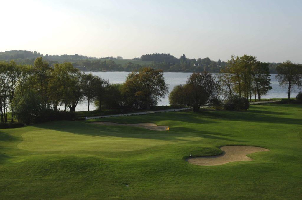 Parcours de golf Bretagne Green fairway bunker