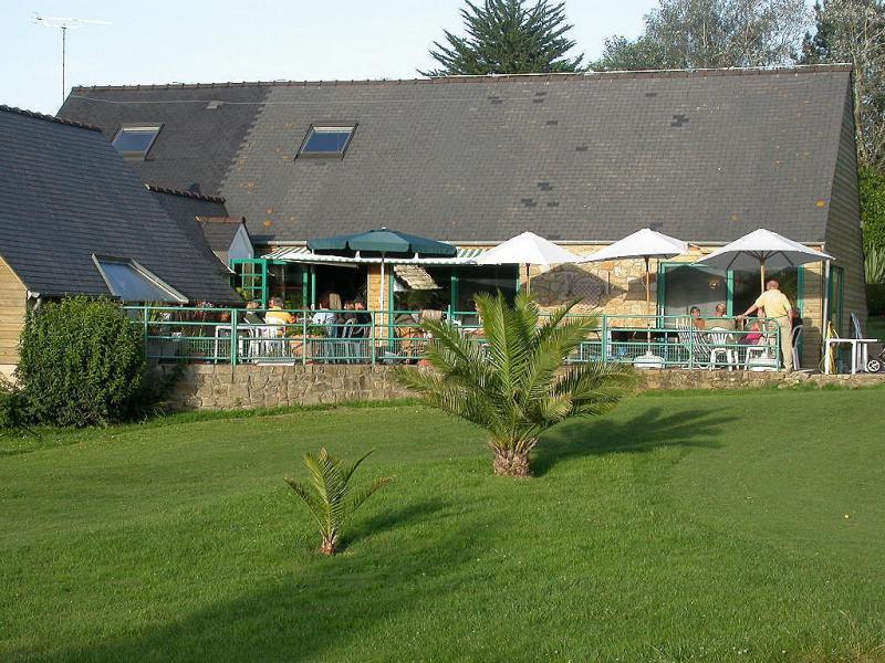 golf-bretagne-club-terrace-Restaurant-TREMEREUC