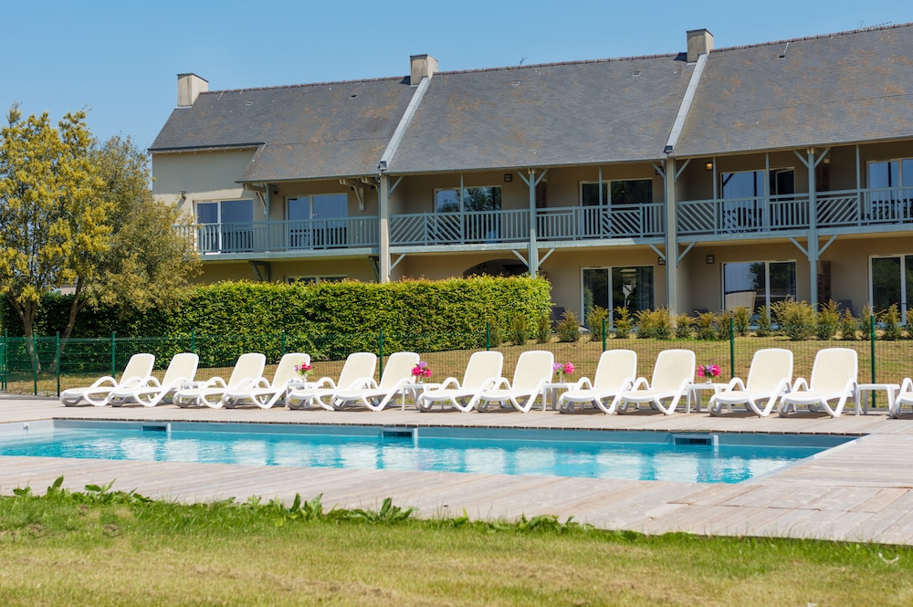 residence swimming pool stay golf golf of Saint-Malo