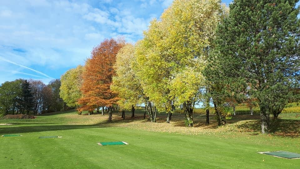 Golf Hôtel*** Resort du Val de Sorne Practice arbres automne