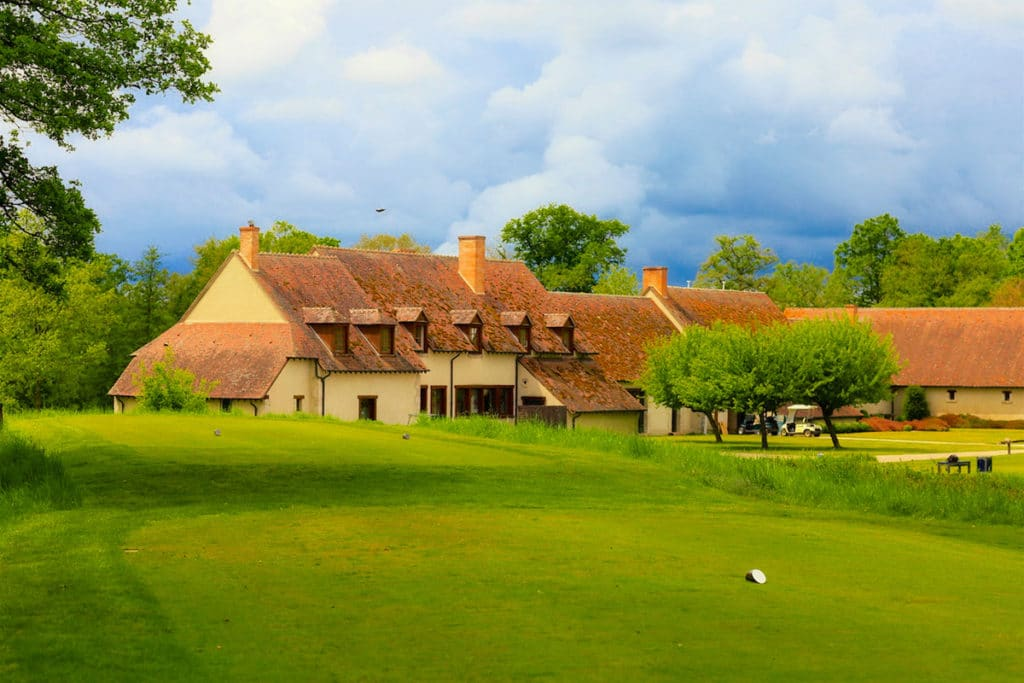 green club-house du golf des bordes