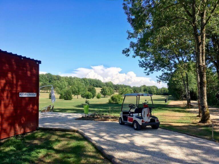 Golf de Salives Voiturette golfette sac de golf parcours 9 trous Bourgogne