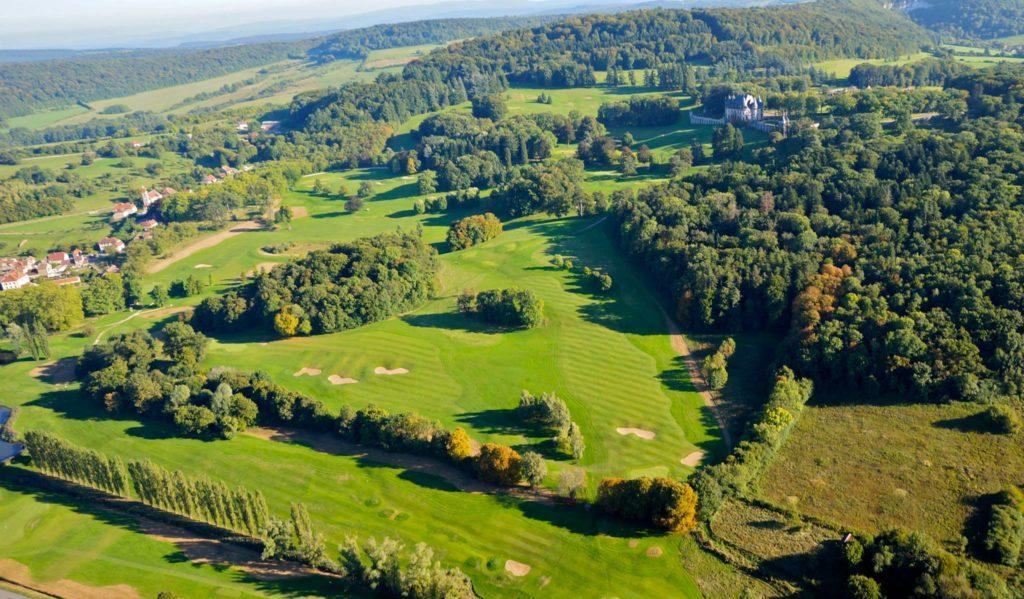 Golf du Château de Bournel Vue aerienne du parcours survol drone