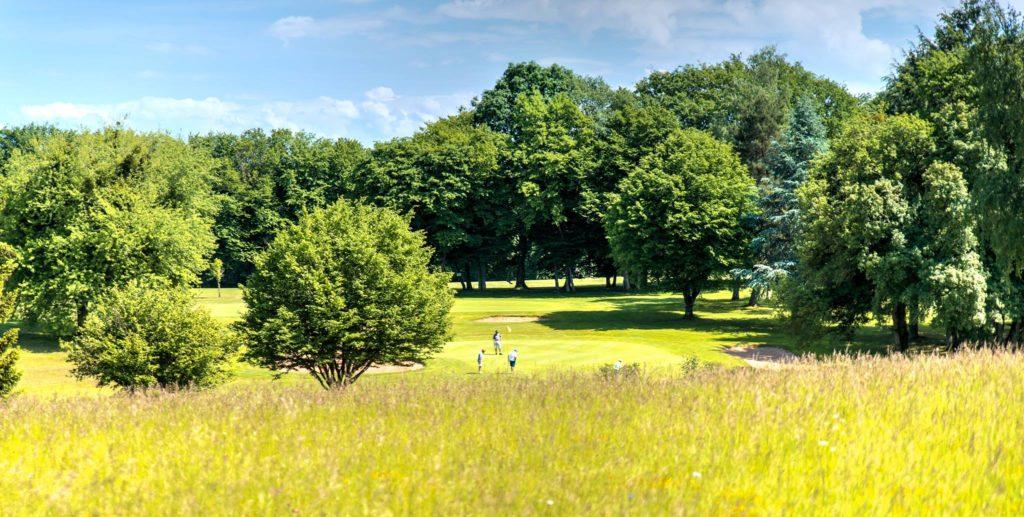 Parcours de golf 18 trous proche Jura Golfeurs Club-House restaurant Golf de Prunevelle