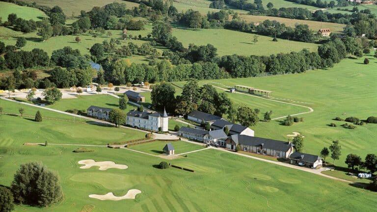 golf Saint Julien hotel Barriere Jouer au golf en normandie