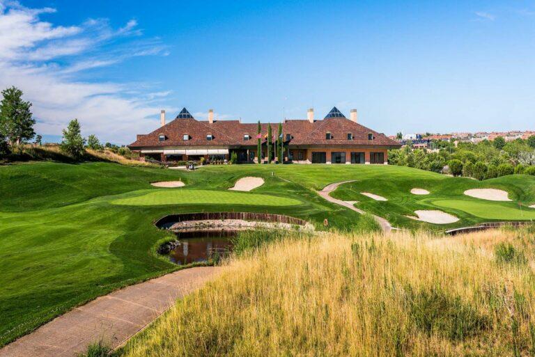 Centro Nacional de Golf Madrid Espagne Club-House