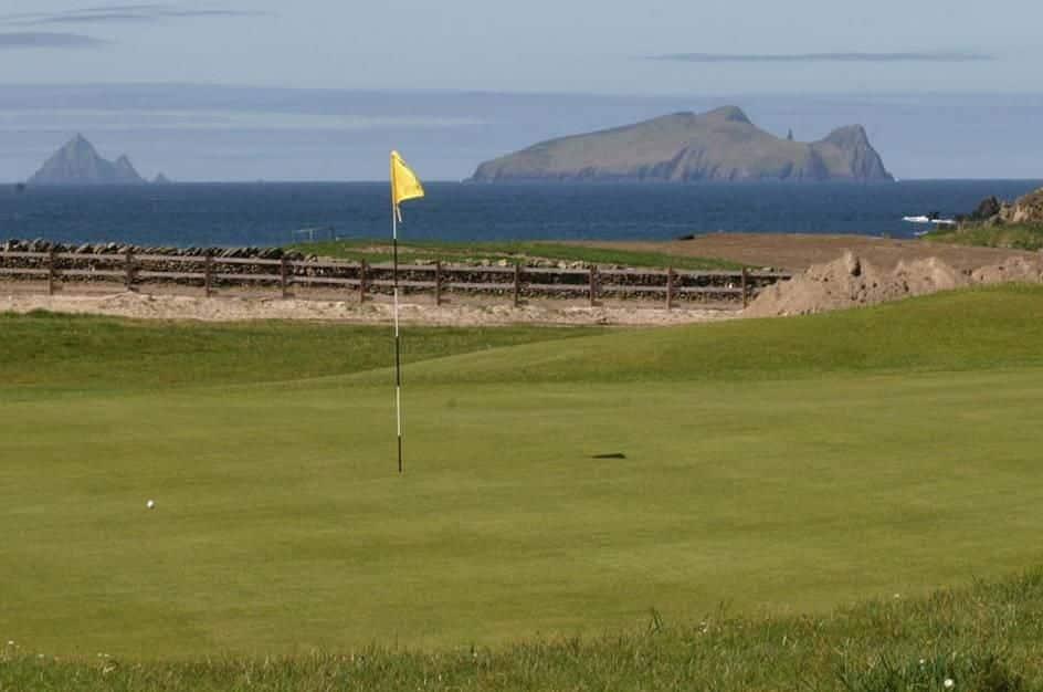 Ceann Sibéal Dingle Links Golf Club montagne mer golf golfeur