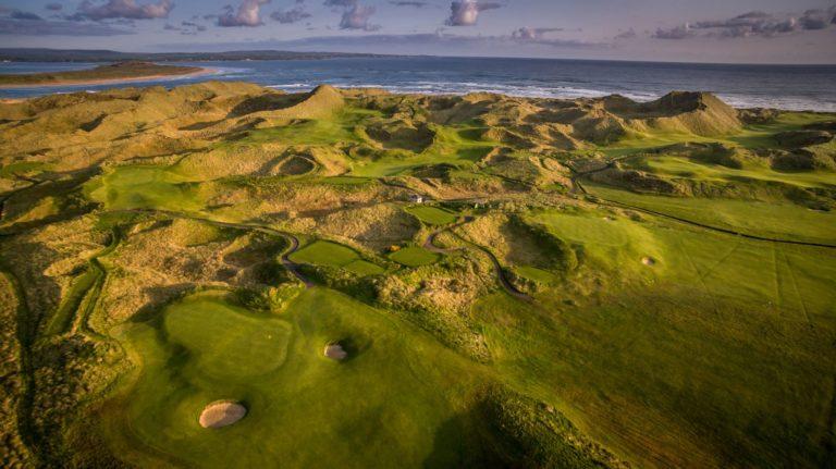 Enniscrone Golf Club Vue aerienne du parcours de golf Links Irlande Atlantique voyage golf sejour vacances