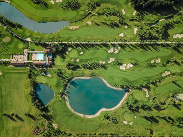 Golf and Country Club Le Pavoniere Vue aerienne