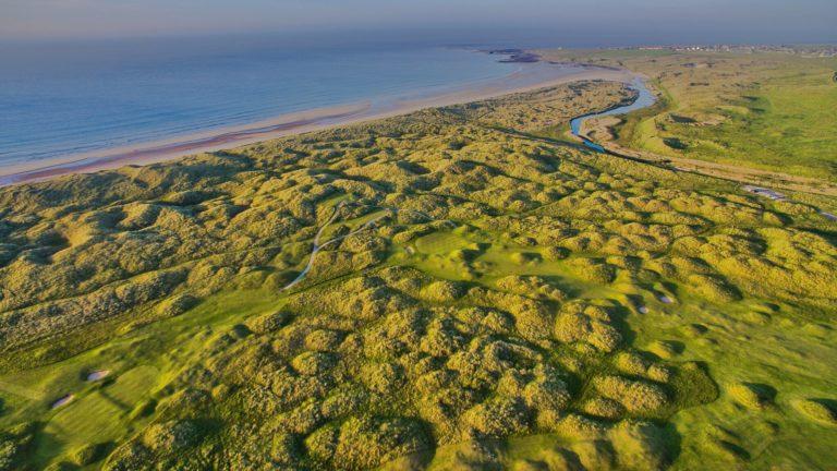 Fraserburgh Golf Club Vue aerienn du parcours de golf mer du nord drone