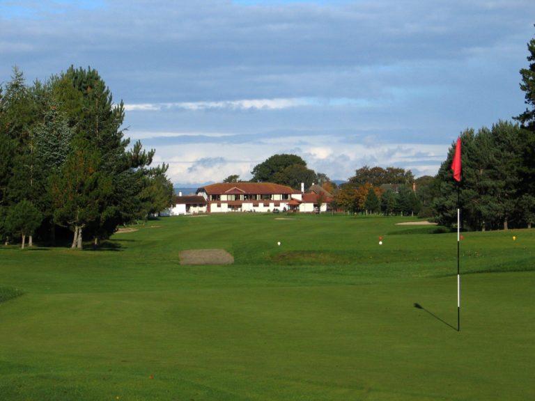 Inverness Golf Club Trou 1 Clubhouse