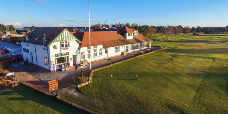 Scotscraig Golf Club Club-House depart du trou 1